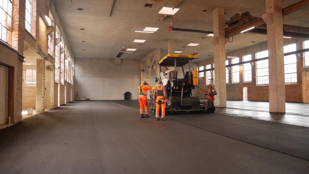 Etablering af asfalt gulv til padel tennis baner